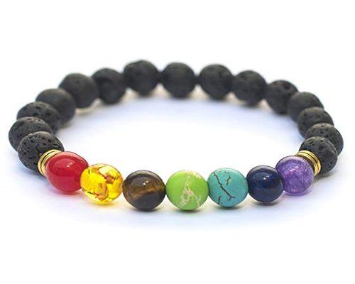 62fab30ea089 Está pulsera hecha a mano cuenta con una serie de piedras que son  sintéticas y que simbolizan los Chakras.