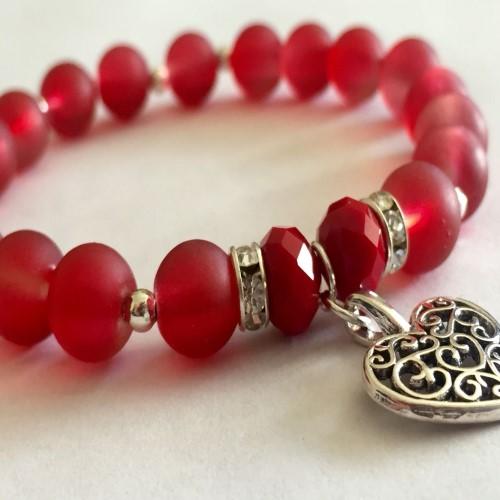 Tradición de las pulseras rojas